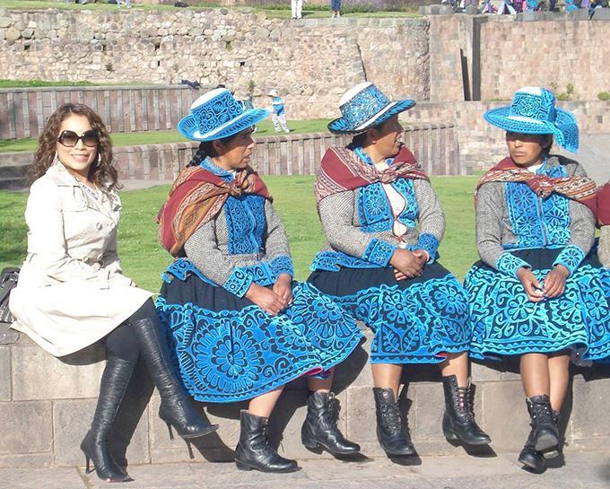 Carol_Mujeres_Peruviane.jpg