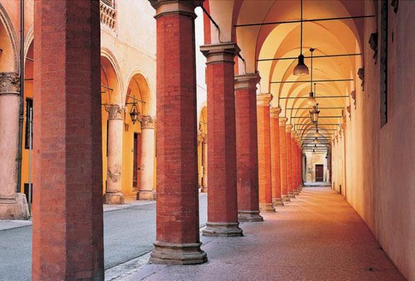 Portici_di_Bologna.jpg